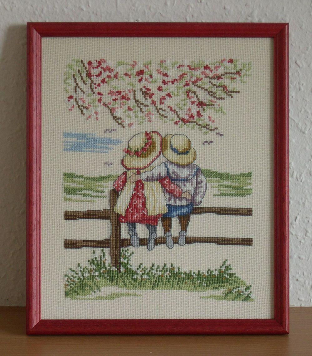 All Our Yesterdays - A kerítésen - keresztszemes kép