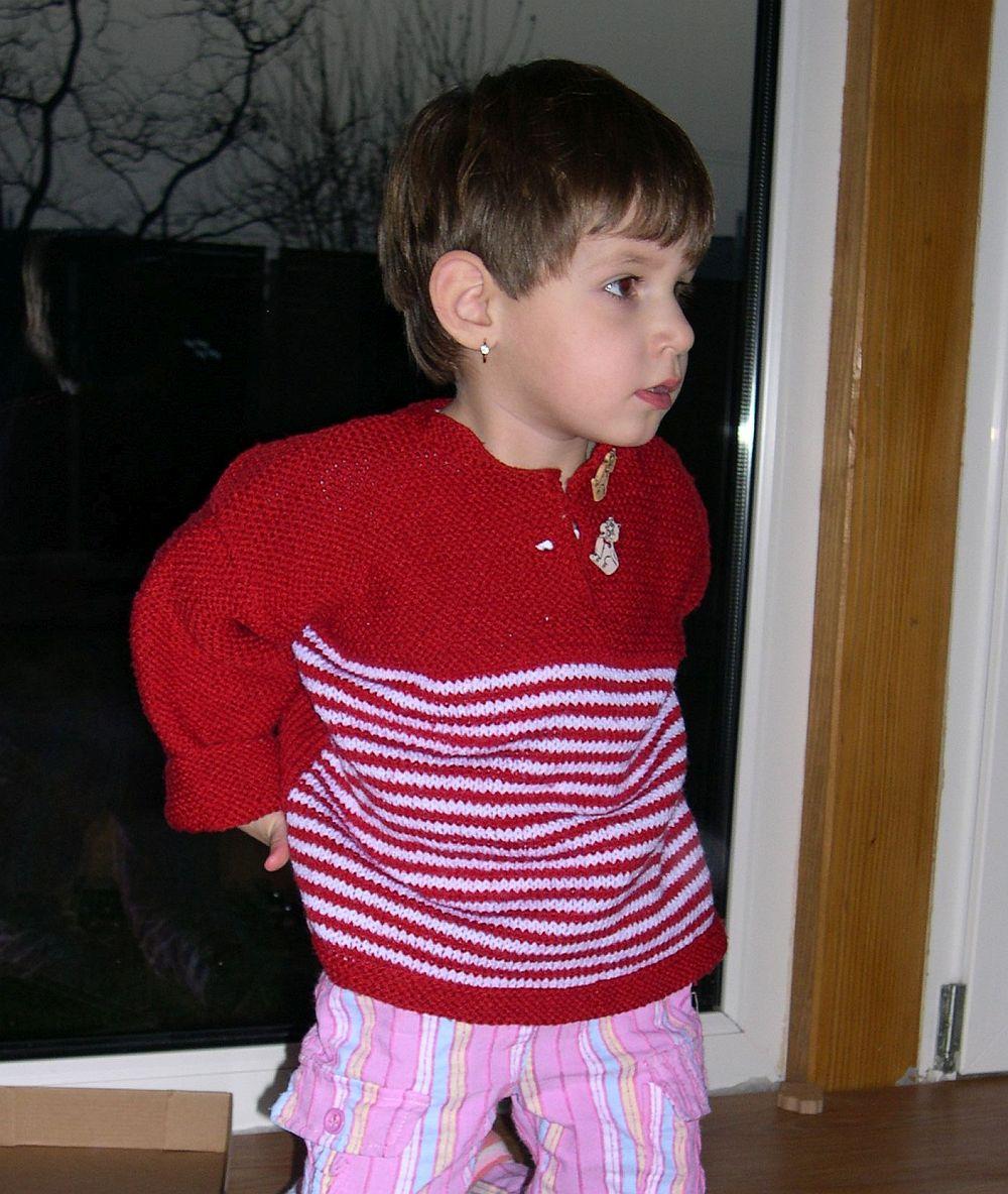 Piros csíkos pulcsi Pannának
