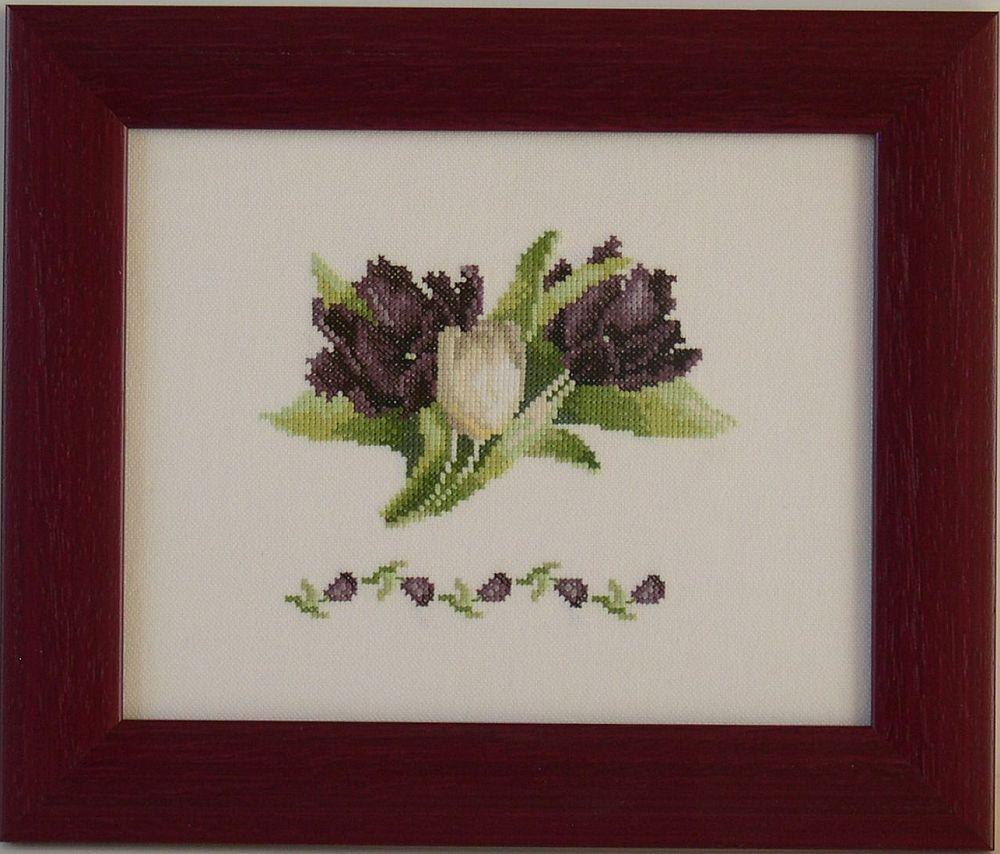 Fekete tulipánok - Lanarte keresztszemes