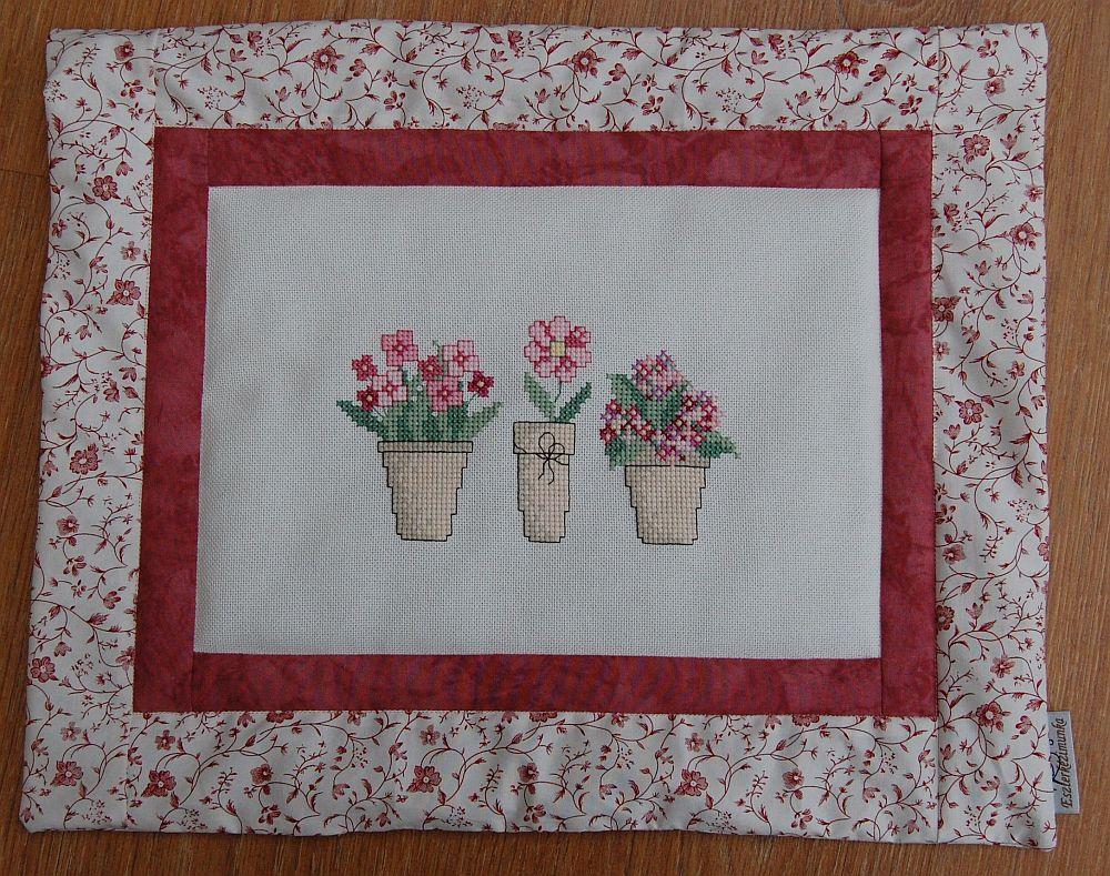 Három cserép virág - keresztszemes